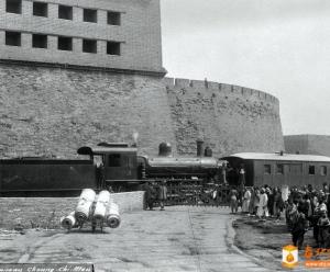请教:这张1905年的照片是在哪儿拍摄的?