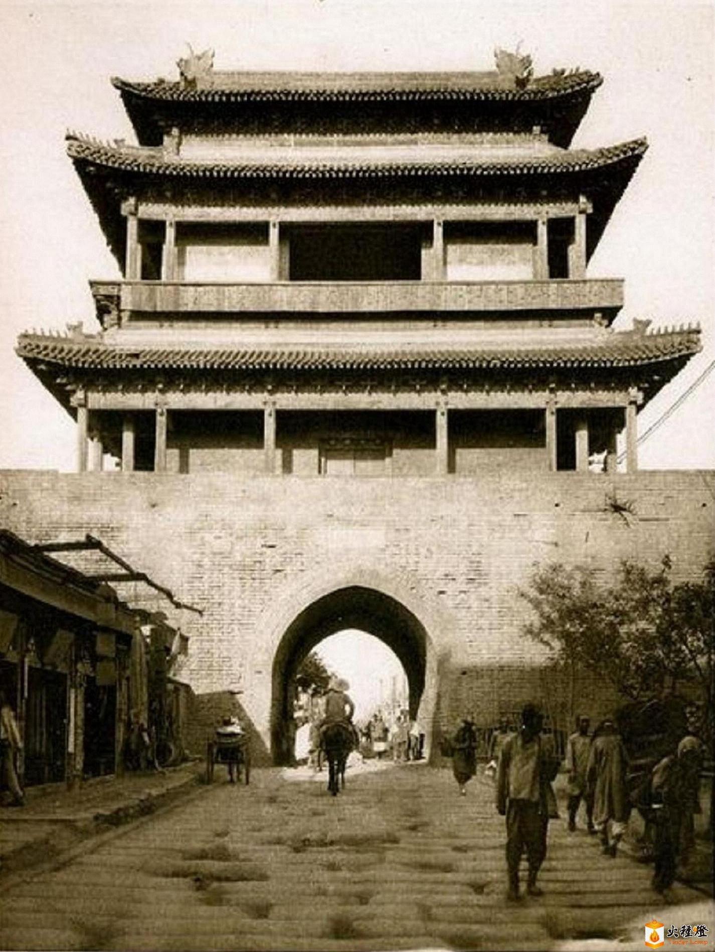 070.广安门-城楼       (1921-24年).jpg