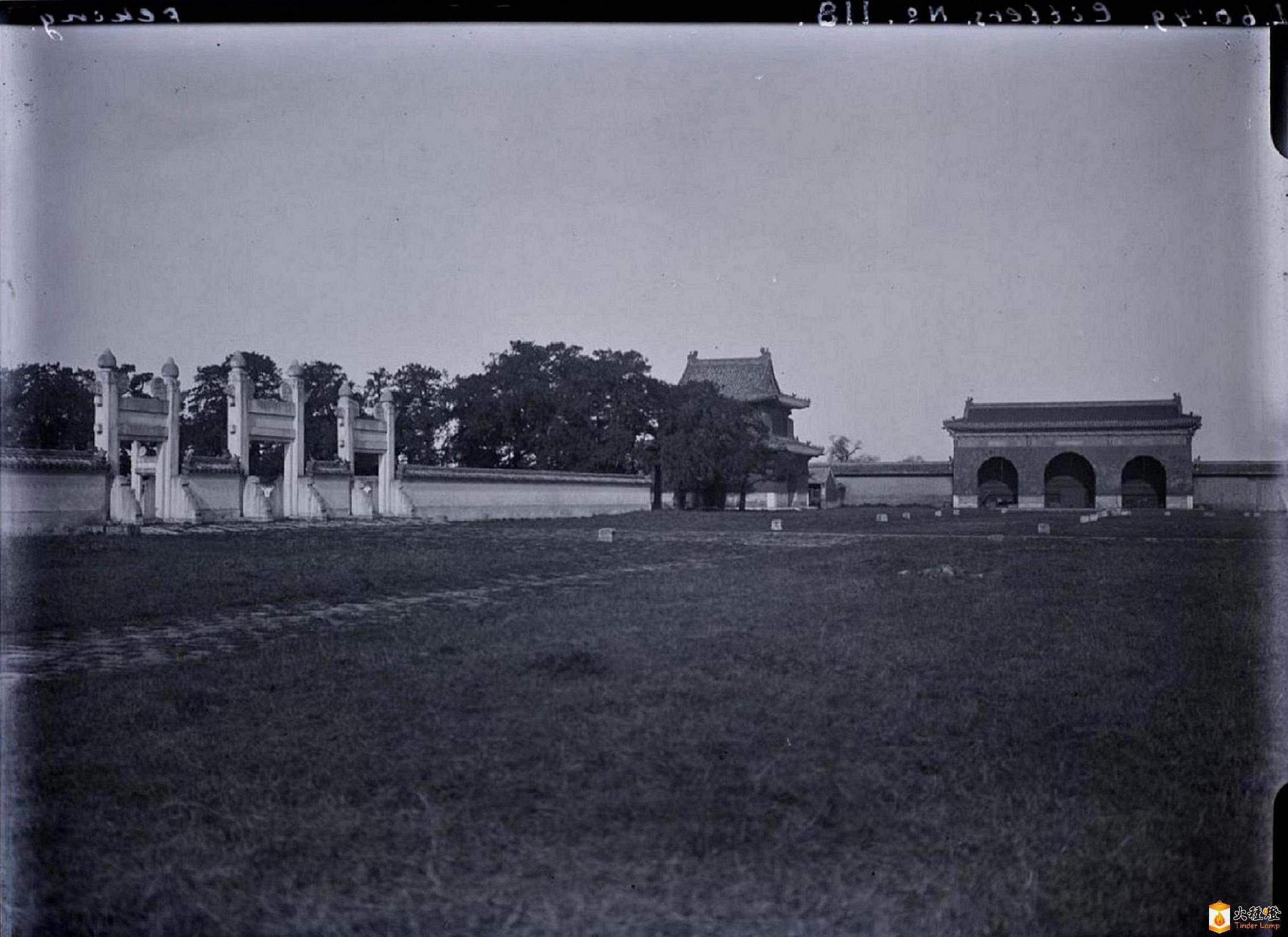 105.钟楼·东棂星门    (1902-05年).jpg
