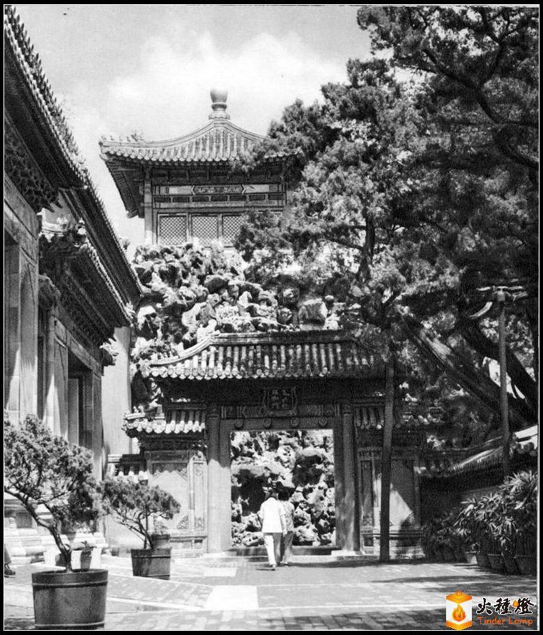 """花园Yanhemyn羽在""""紫禁城""""的大门.jpg"""