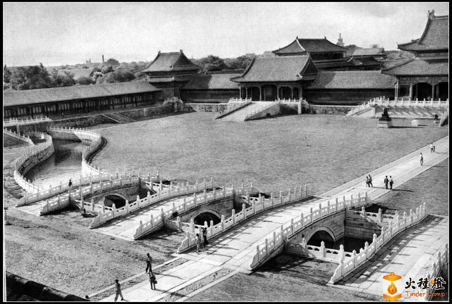 """前泰和博物馆""""宫""""门大桥Tszinshuy.jpg"""