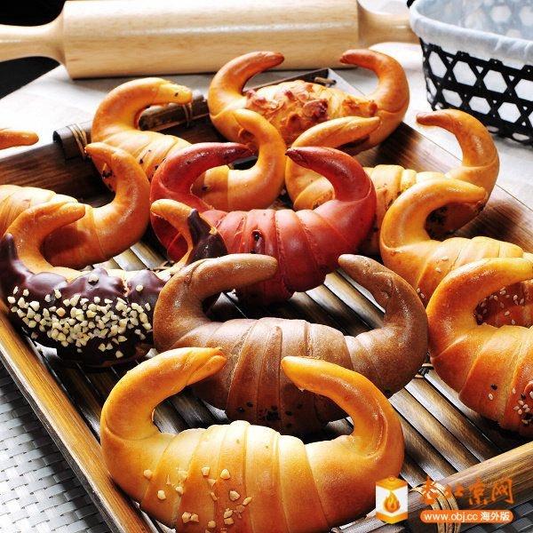 各式口味的金牛角麵包-1.jpg