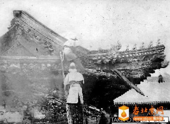 """1937年4月28日,西直门外万寿寺第三进大殿""""万寿阁""""楼上火灾.jpg"""