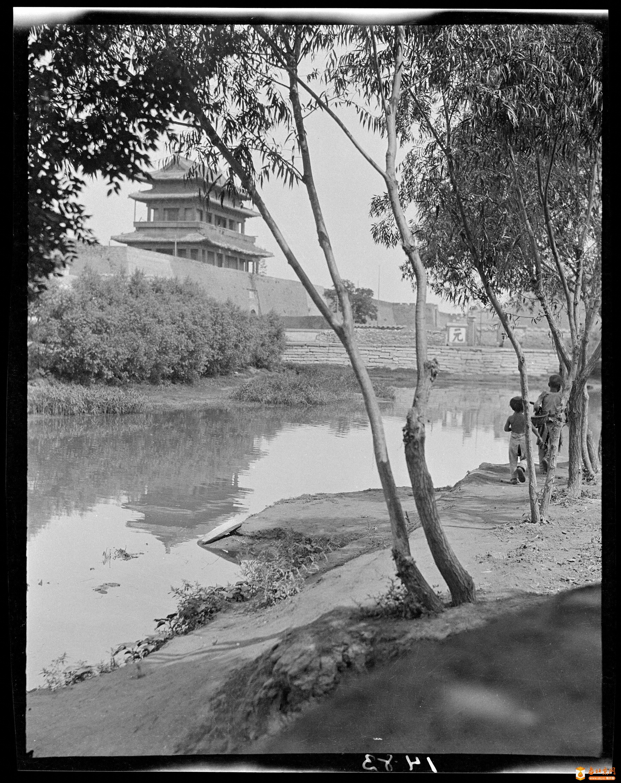 259A_1483             东直门-城楼       (1919年).jpg