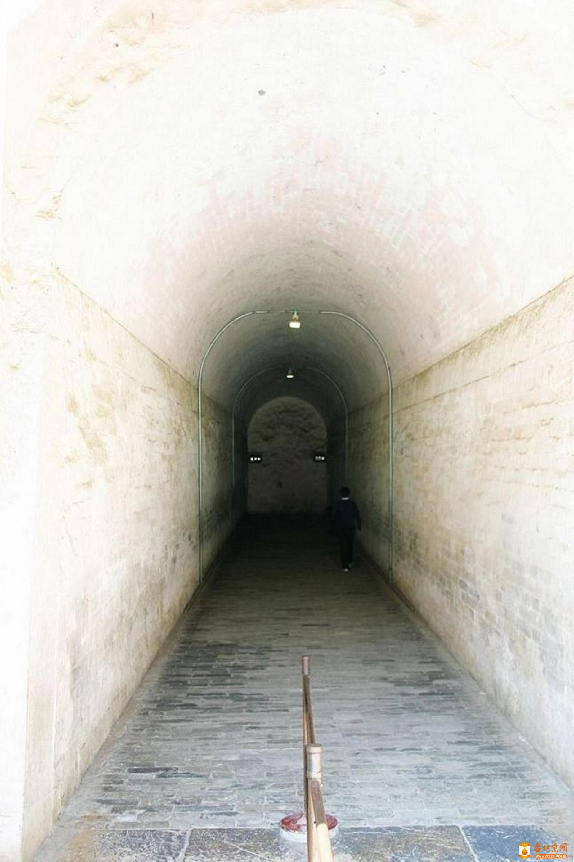209.古洞门蹬道-1.jpg
