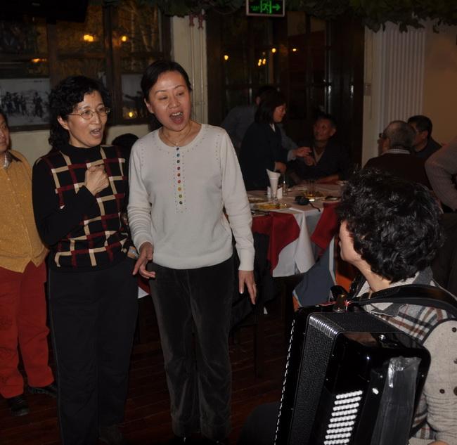 照片 718、动听的女声二人唱修.jpg