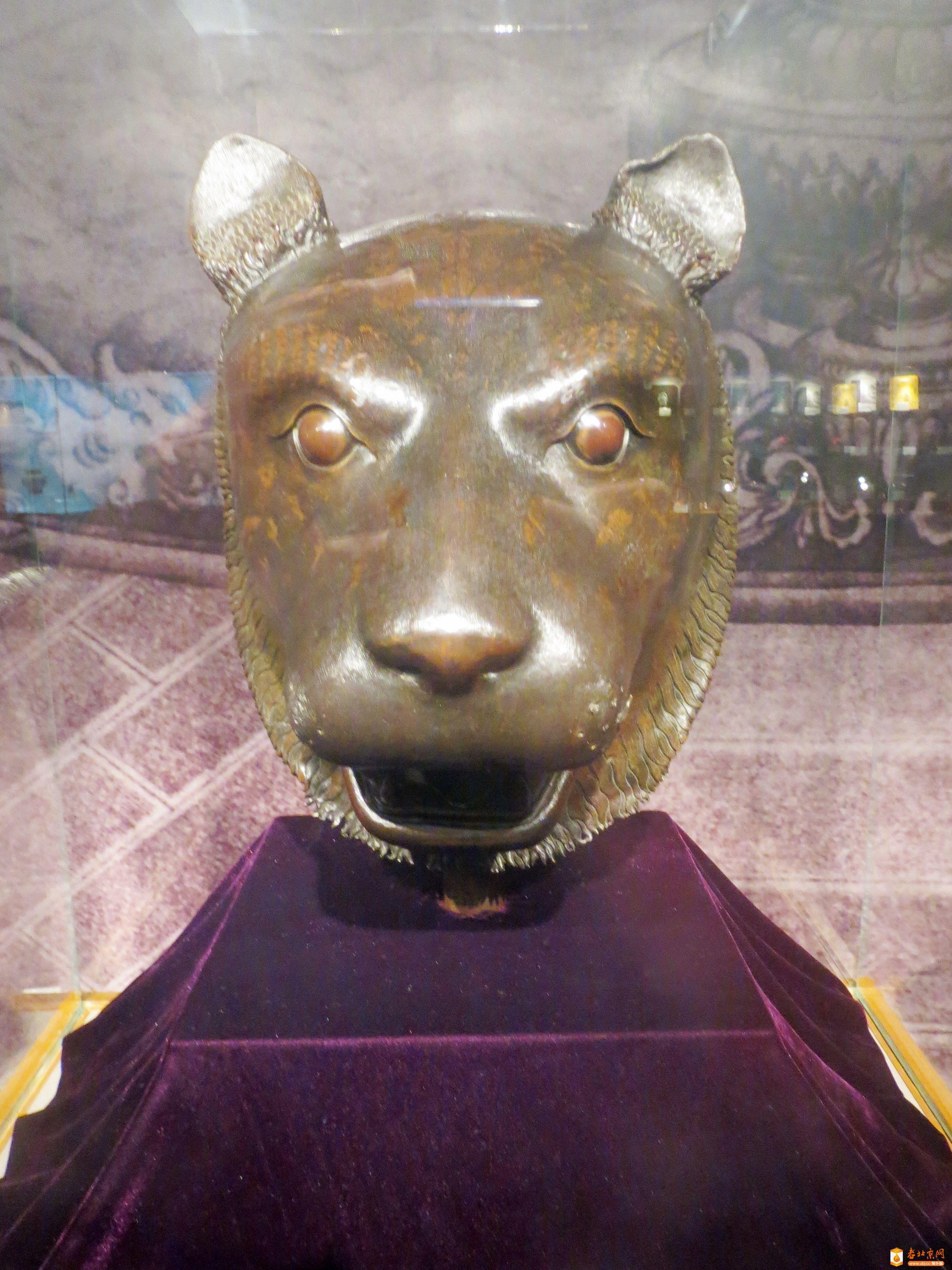 圆明园海晏堂十二生肖铜像之猪首,虎首,猴首和牛首