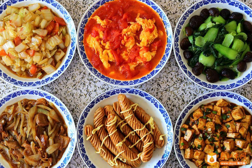 今天午餐的家常菜五十四——炸泥肠等