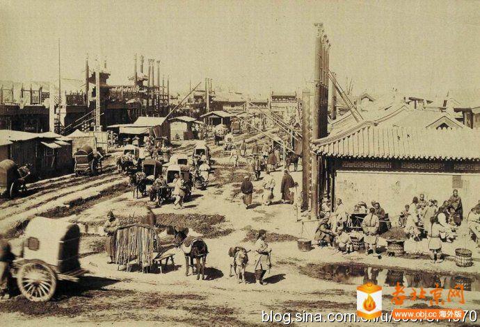 1899年从丁字街西口看西四牌楼
