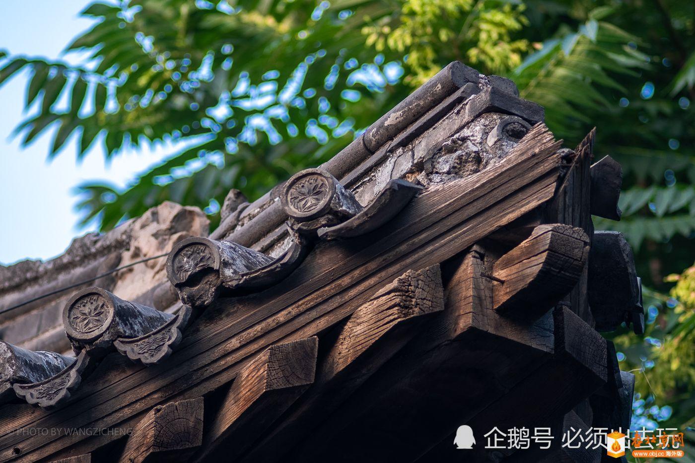 飞檐上的细节还是能见到一些当年的工艺