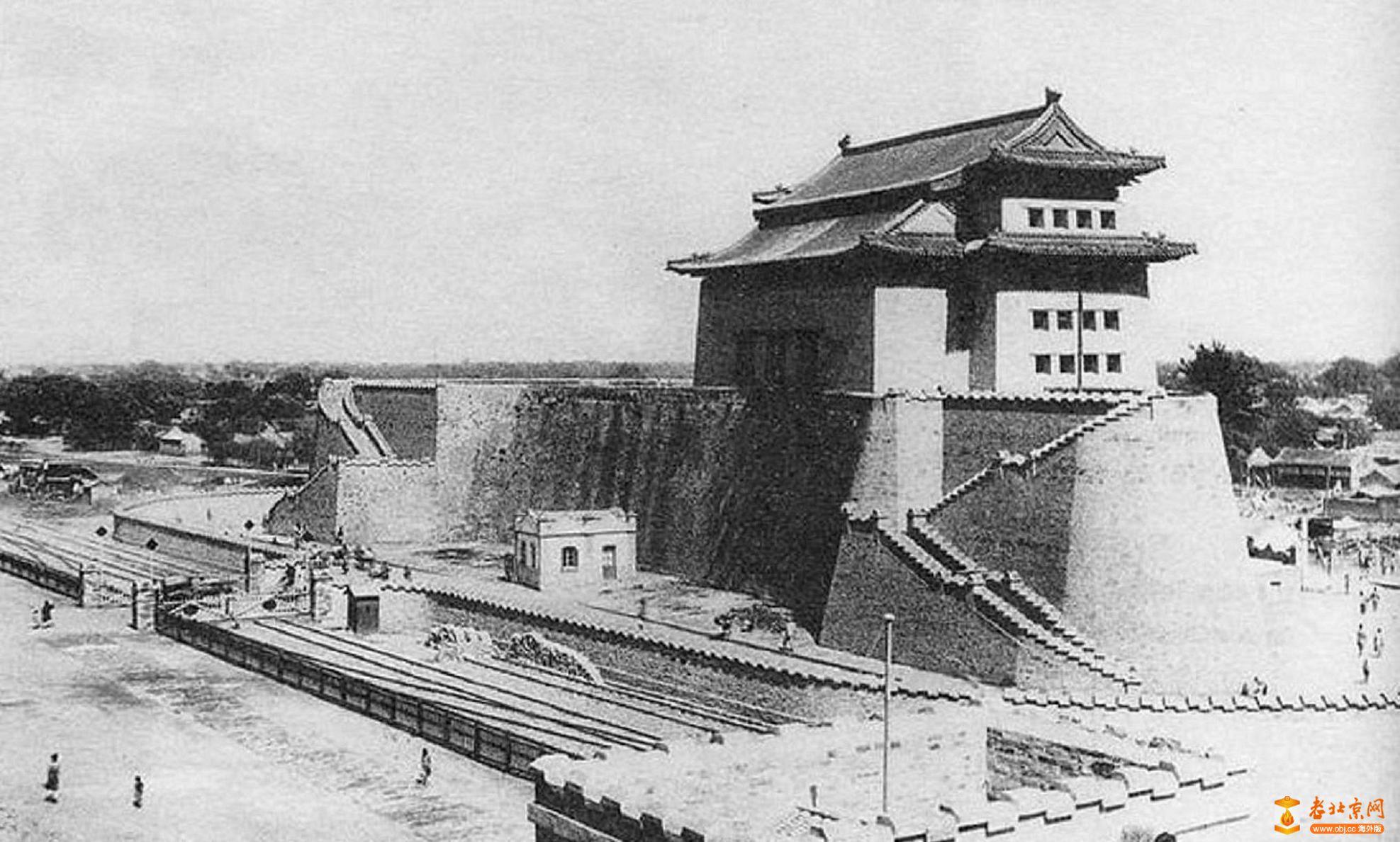 555.朝阳门-瓮城                    (1915年).jpg