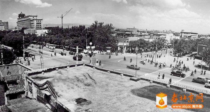 1977,西單路口西北向.jpg