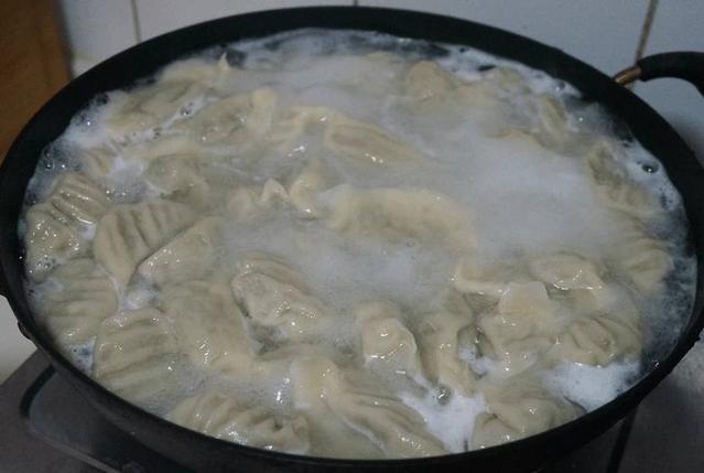 煮饺子.jpg