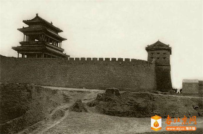 彰义门(广安门)城楼与瓮城侧景.jpg