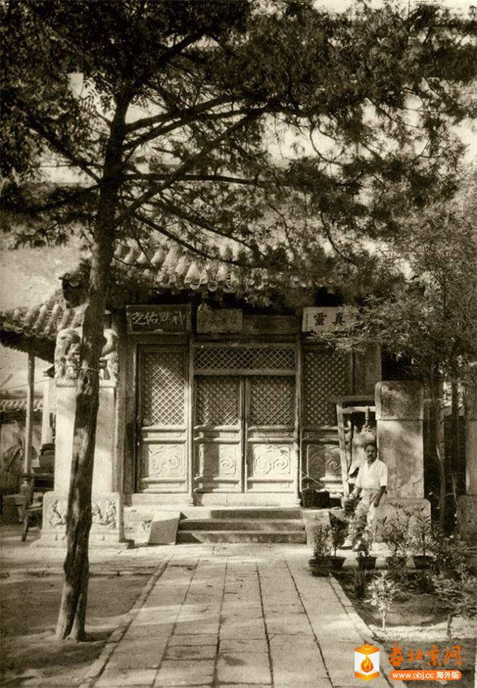 德胜门瓮城内的真武庙.jpg