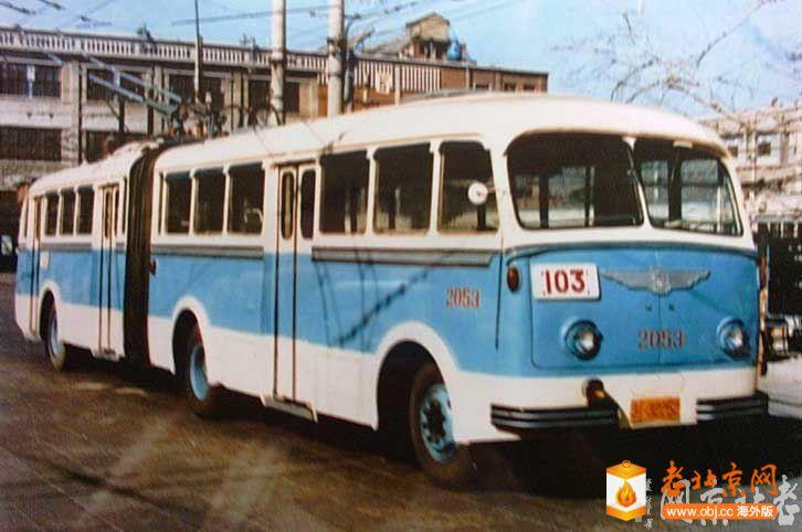 老式公交车5.jpg