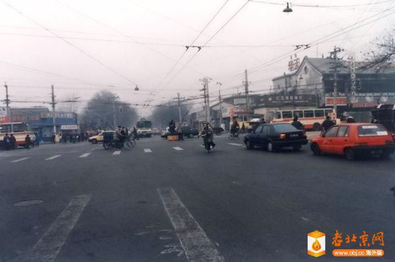 1990年前後,地安門路口西向。.jpg