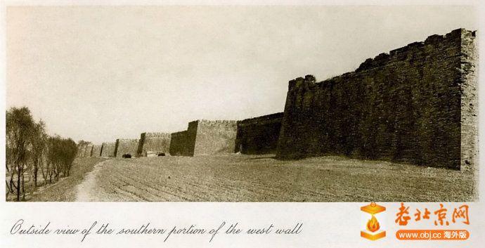 1921,內城西垣中段外壁及護城河內沿兒.jpg