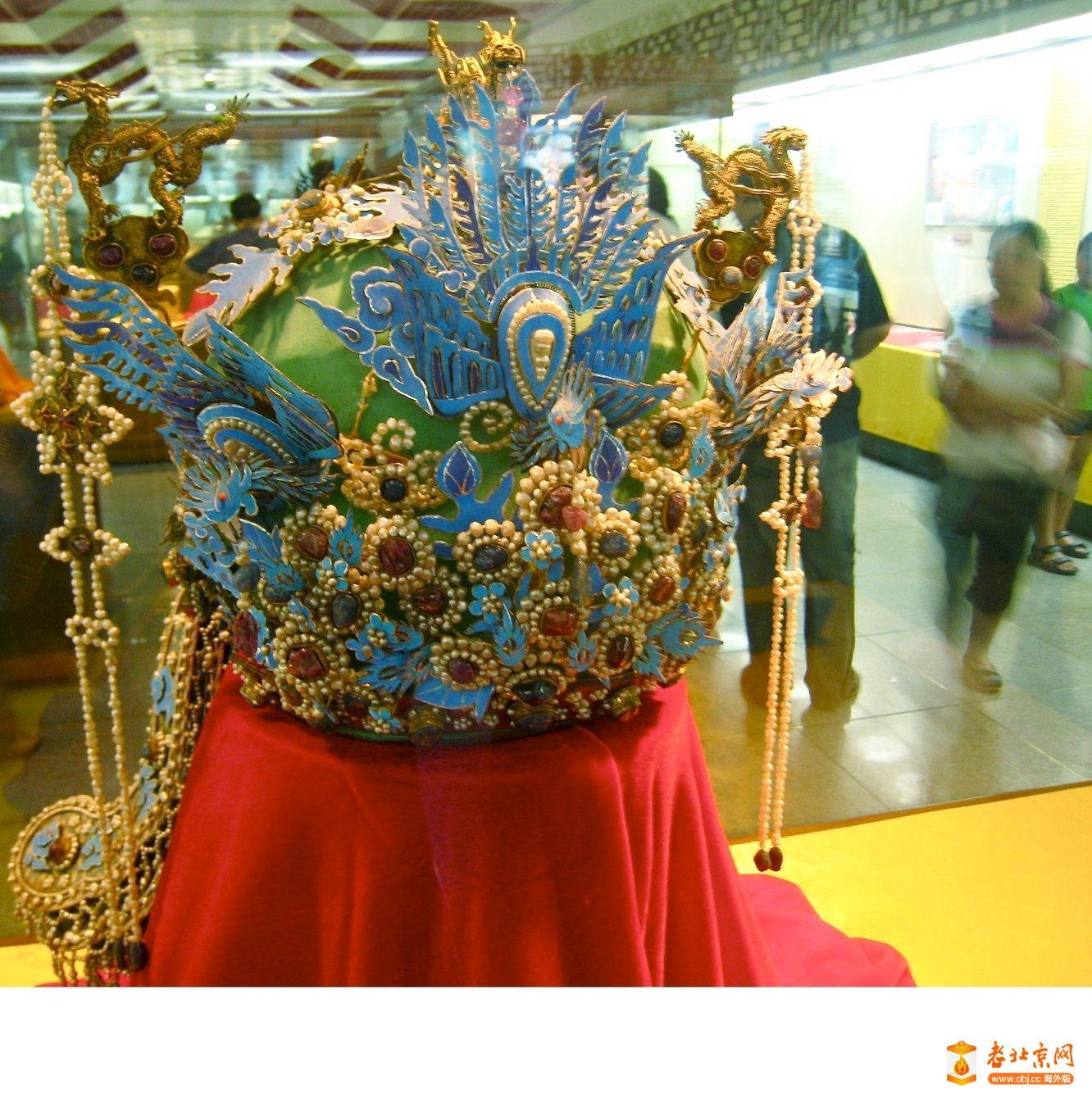 孝端顯皇后的燕居冠六龍三鳳冠Ming_Dynasty_phoenix_crown.jpg