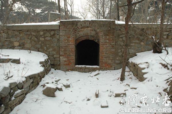 西山小九的墓地