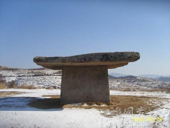 石棚——史前的巨石墓葬建筑