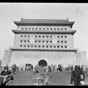 """前门1918:箭楼缘何变""""钟楼"""""""